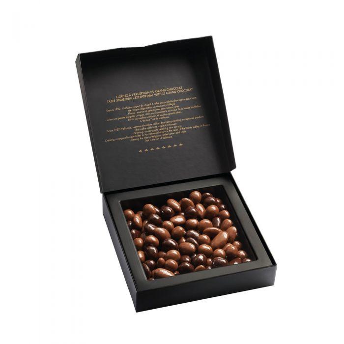 cofanetto mandorle e nocciole cioccolato fondente e cioccolato al latte di valrhona